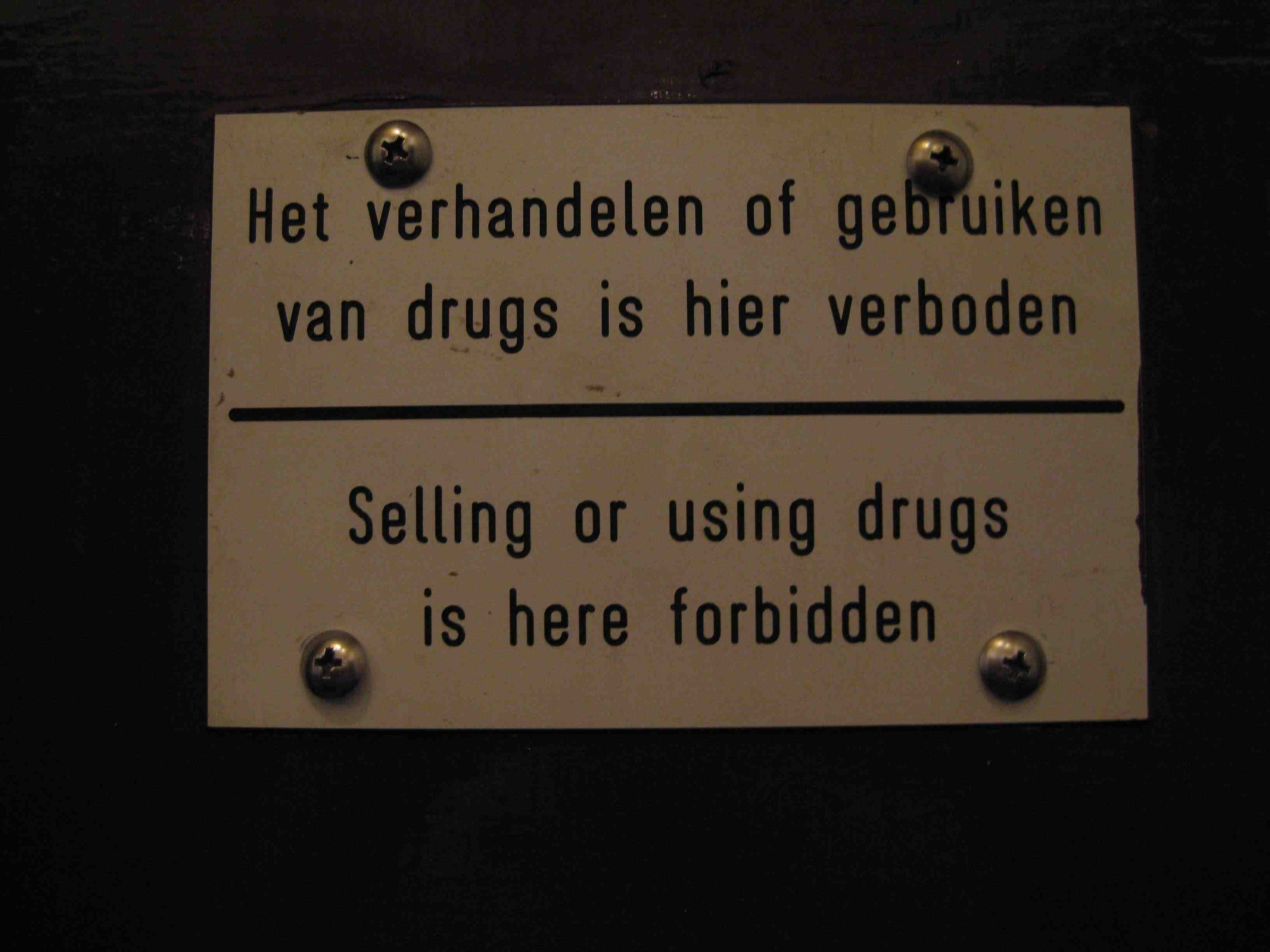 Bonaire - Little Havana - Selling or using drugs is here forbidden